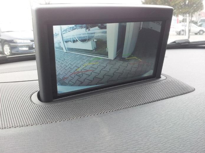 widok z kamery cofania w nawigacji ViVo S