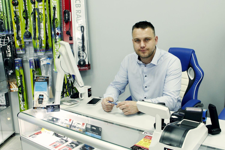 HANDLOWIEC - Marcin Janiak