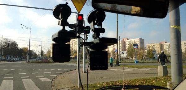 rejestratory jazdy VR08 i Prestigio 310